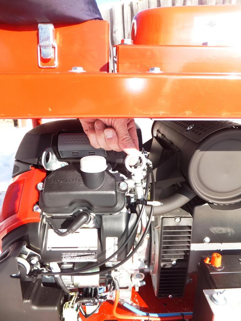 Контроль уровня масла двигателя генератора Вепрь АБП 10 230 ВХ-БСГ9
